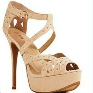 Heeled sandal NWOB